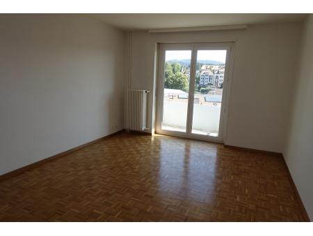 GRENIER 27 | 2.5 pièces | 9ème étage S-E | La Chaux-de-Fonds