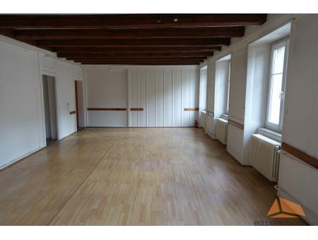 DANIEL-JEANRICHARD 3 | local commercial au 2ème étage| Le Locle